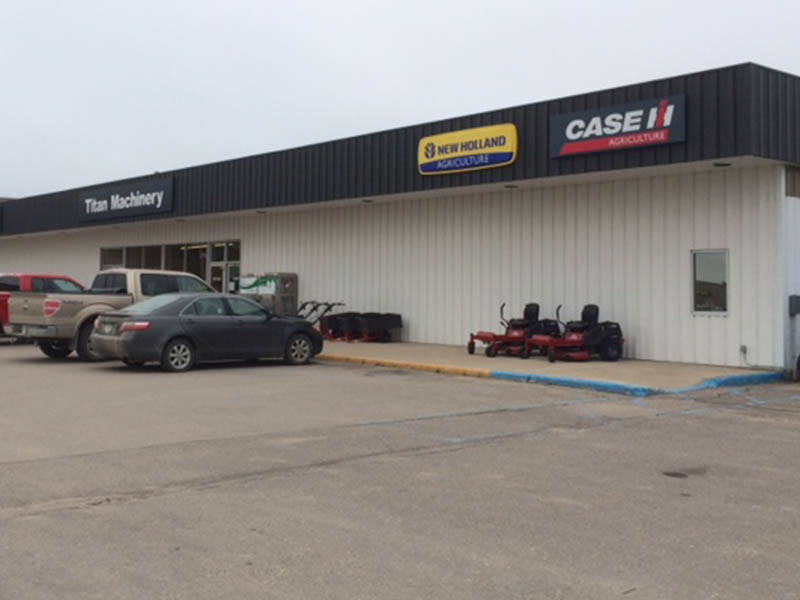 Case IH and New Holland Dealership in Roseau, MN